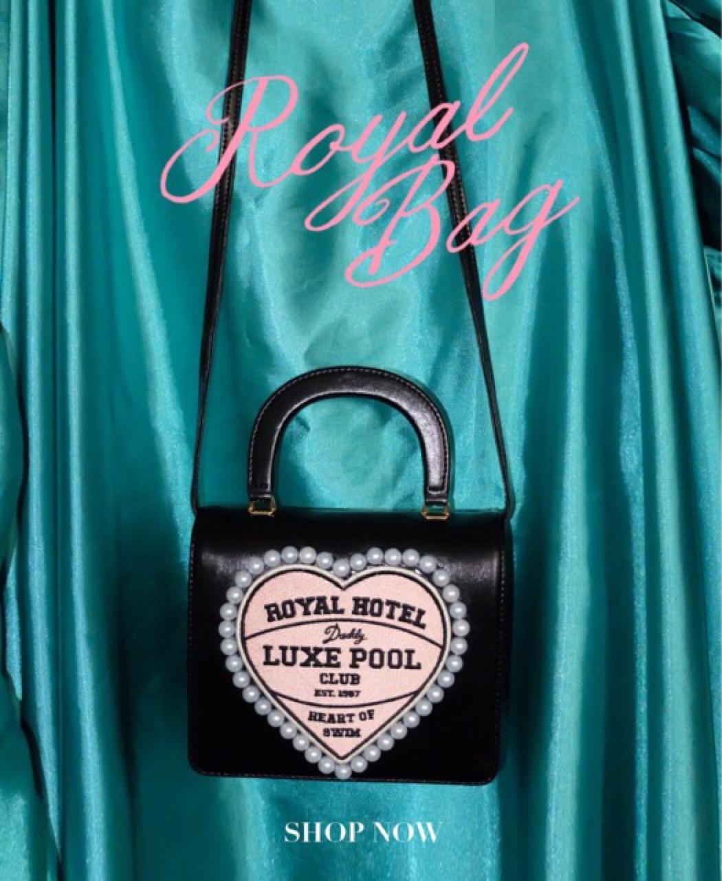 [ กระเป๋าสะพาย Royal Bag - 1,352 THB ] ร้าน Daddy and the muscle academy