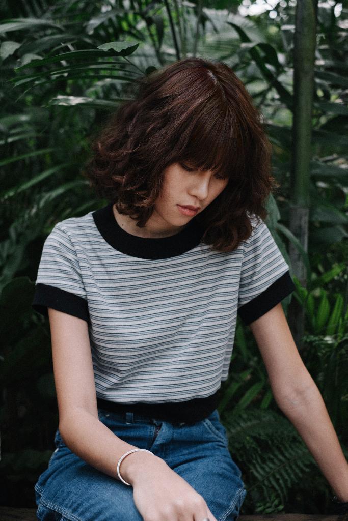 เสื้อครอป แขนสั้น Crop Triple Stripe Black (ผู้หญิง) - 390 THB