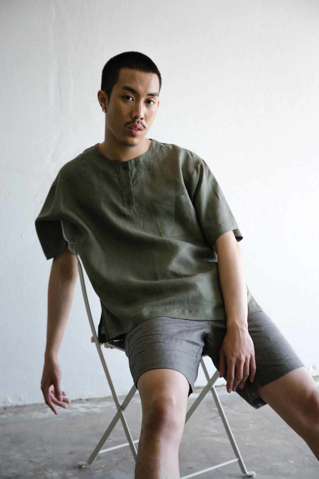 เสื้อเชิ้ต แขนสั้น Light Green Oversized T-shirt - 650 THB
