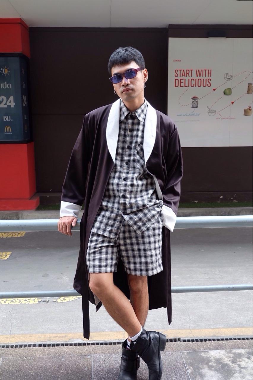 Black & White Robe : 1,290 THB