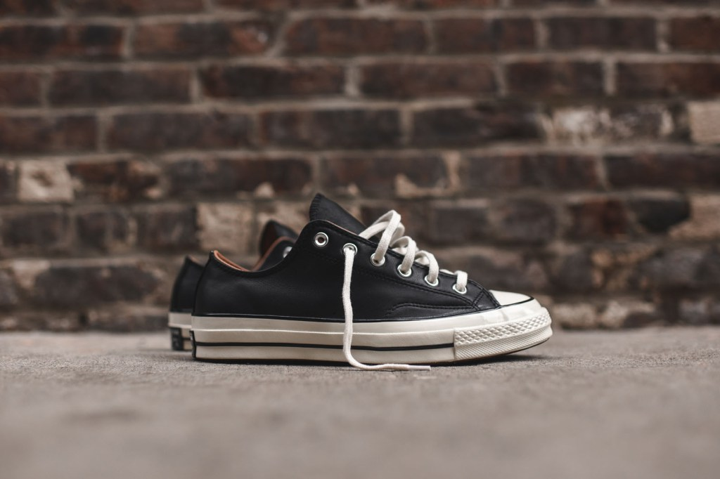 converse-chuck-taylor-all-star-ox-leather-1