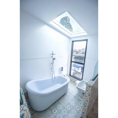 Private Bathtub in River View Suite Room-500x500