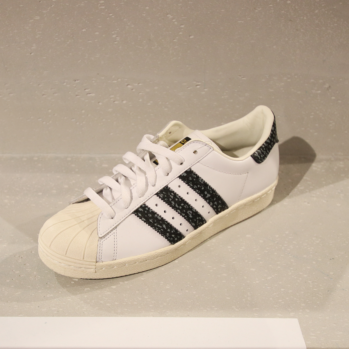 9- Adidas Original SuperStar