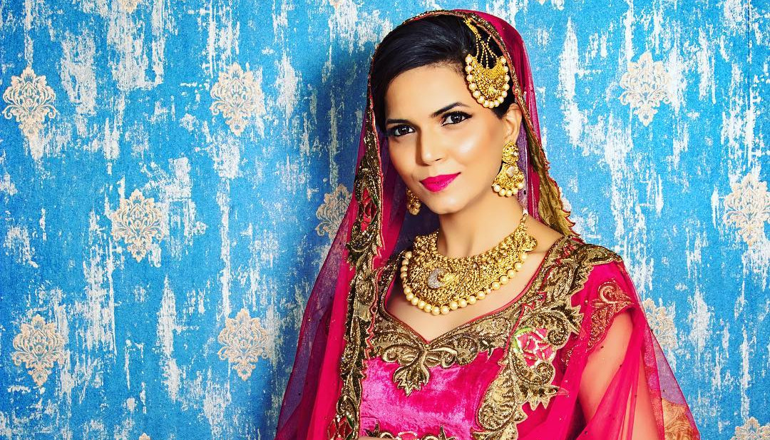 Aarti Makker Bridal Makeup is the most prominent and best makeup artist based in New Delhi. Most of the women do their make up incorrectly .We help you Know ...