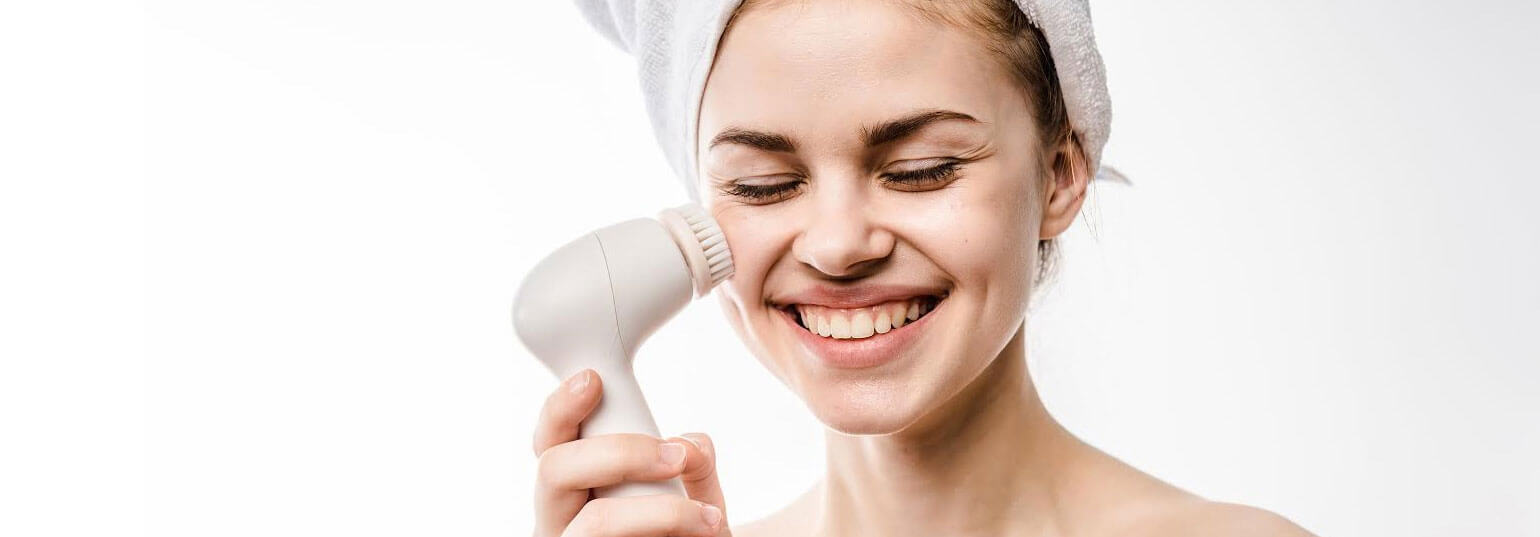 5 SKIN CARE TOOLS TO ADD TO YOUR BEAUTY ROUTINE