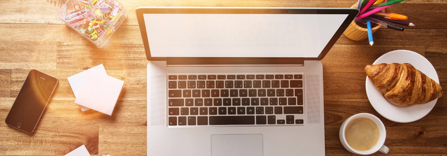 5 WAYS TO ADD LIFE TO THE WORK DESK