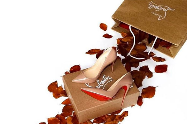 designer christian louboutin bmz7  Monsieur Louboutin has been in the shoe biz since 1982, designing dressy  shoes for Chanel and YSL He took a break to pursue landscape architecture  only to