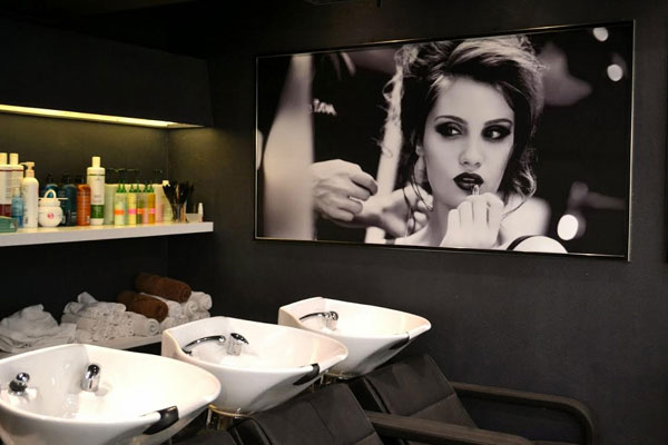 Hair spa lakm absolute salon s new hair spa range for Absolute beauty salon