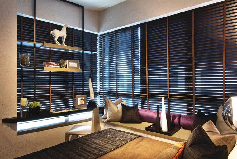 Creative Ways With Bay Windows: study table facing window