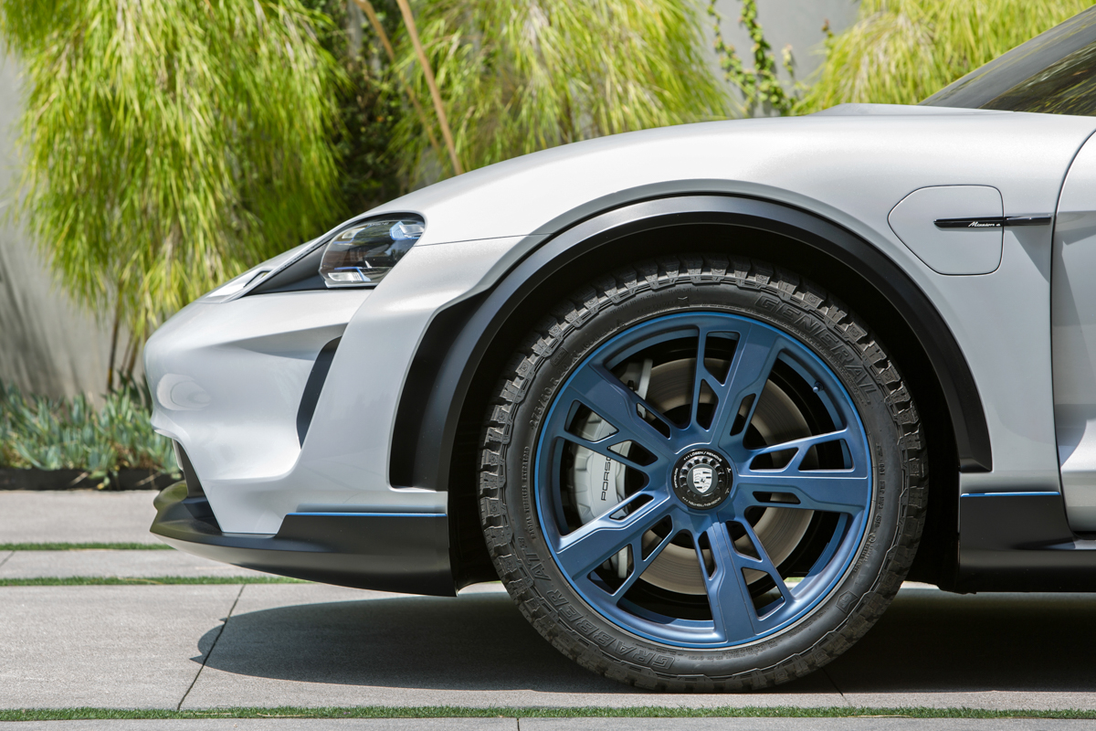 Porsche Mission E Cross Turismo – One Step Beyond
