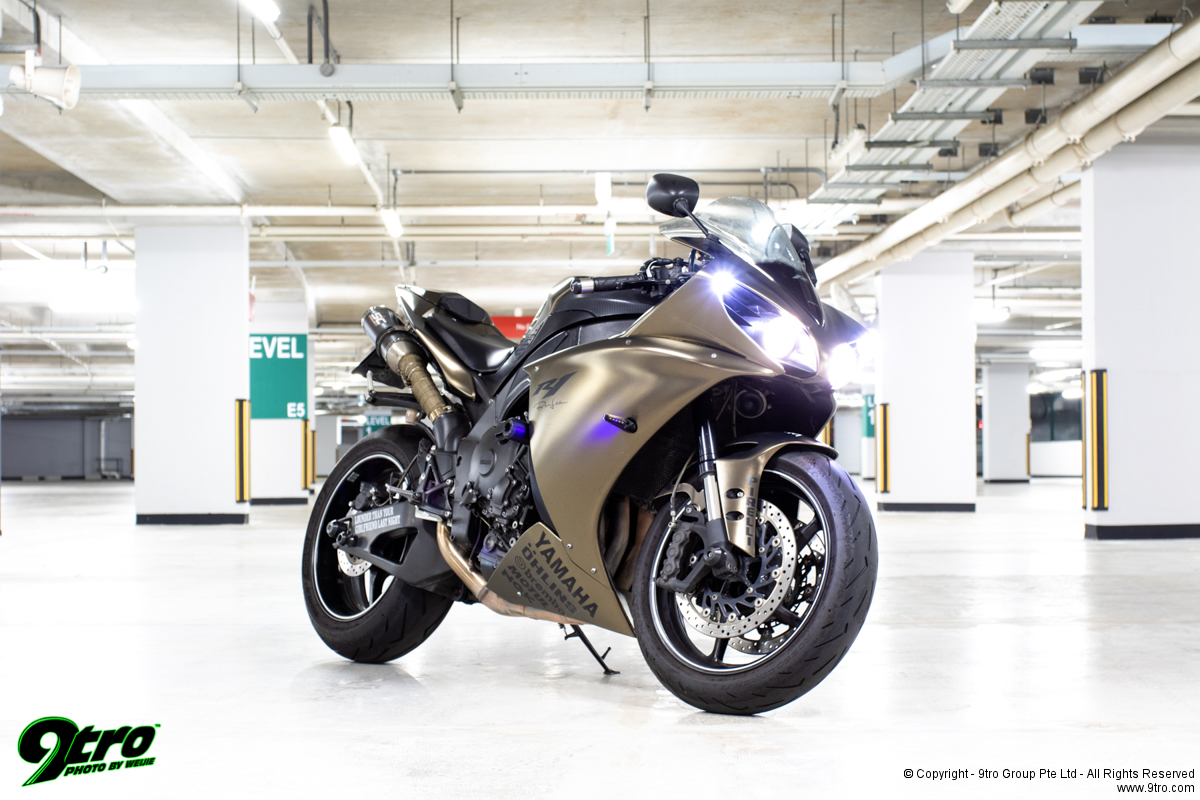 2013 Yamaha R1 - Shades of Cool