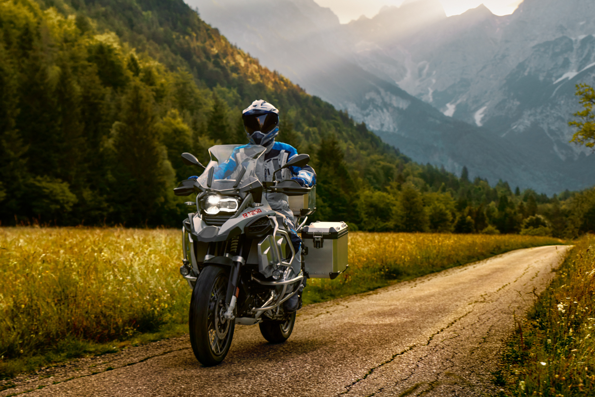 The New Bmw R 1250 R R 1250 Rs And The New R 1250 Gs Adventure 9tro