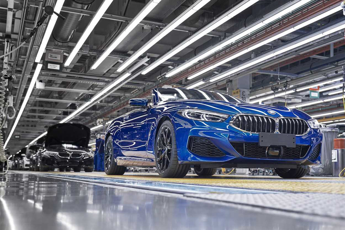 BMW 8 Series Convertible enters production