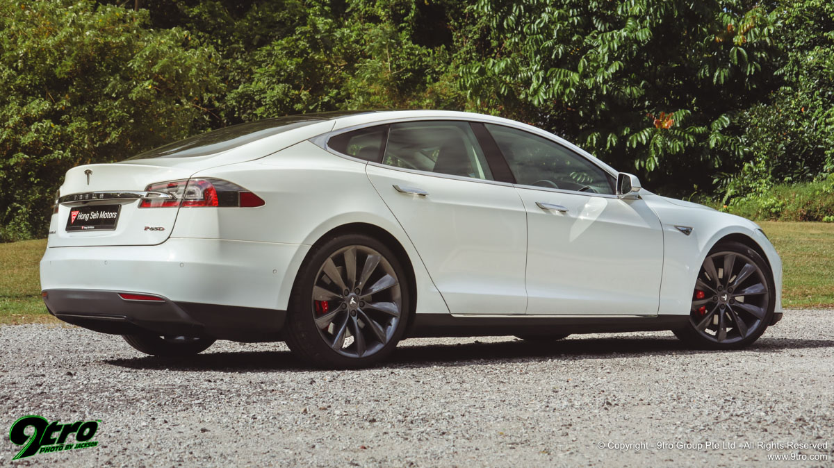 Tesla Model S P85D - Sheer Insanity