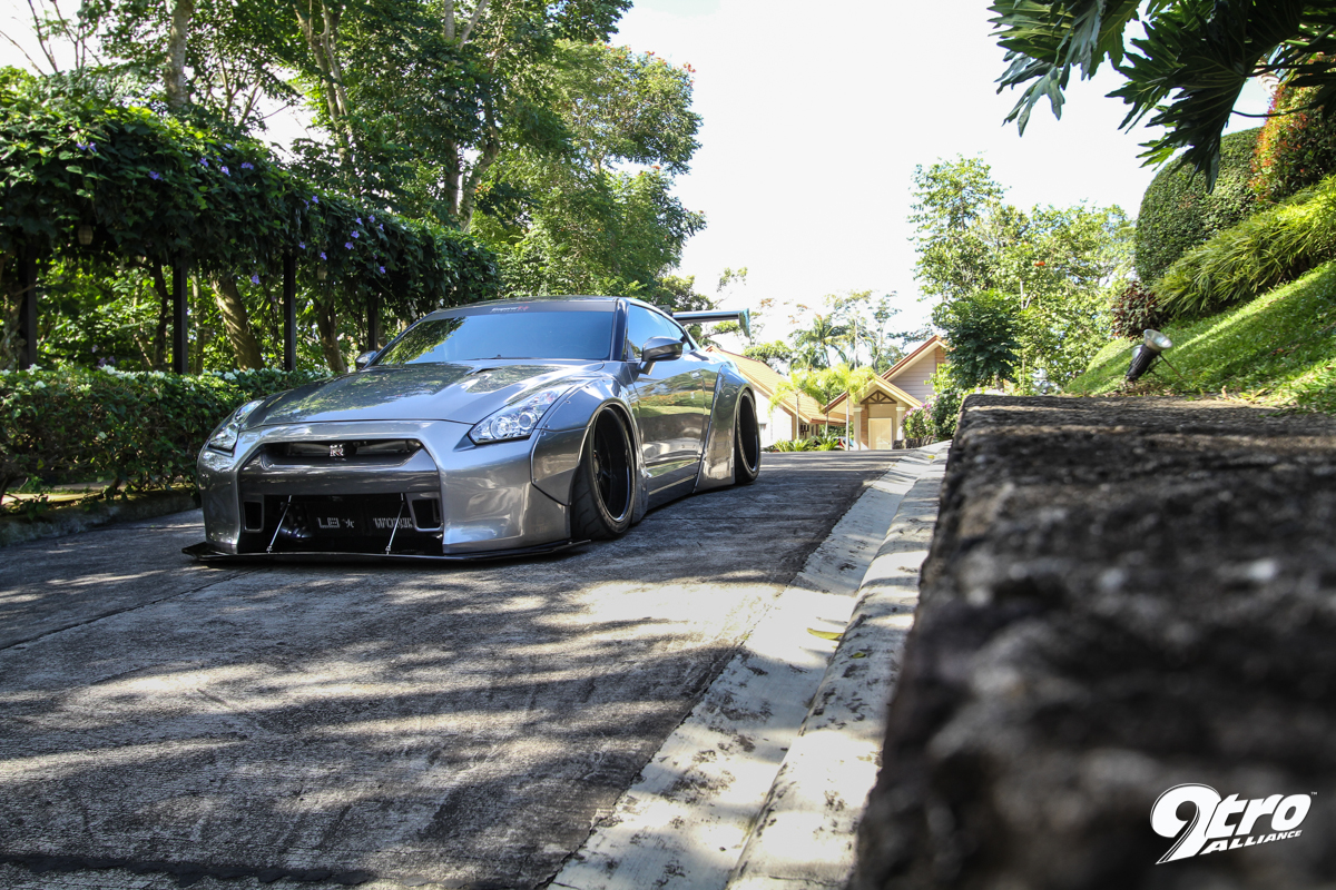 Nissan GT-R35 - Philippines' first Liberty Walk