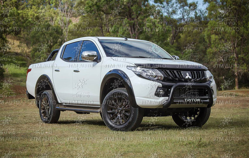 Black Nudge bar + Side Steps Running Board Suits Mitsubishi Triton MQ 2015-2018