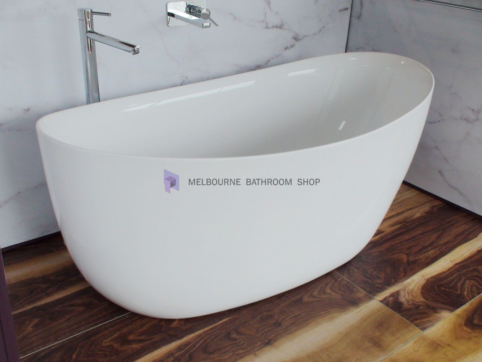 Bathroom 1800 free standing bath curved 1800x820x700mm for Bath 1800
