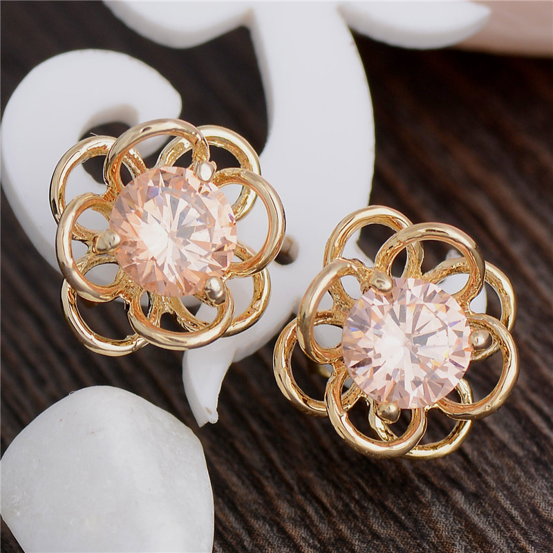 Attractive-Design-18k-Gold-Plated-Flower-Cubic-Zirconia-Women-039-s-Stud-Earrings