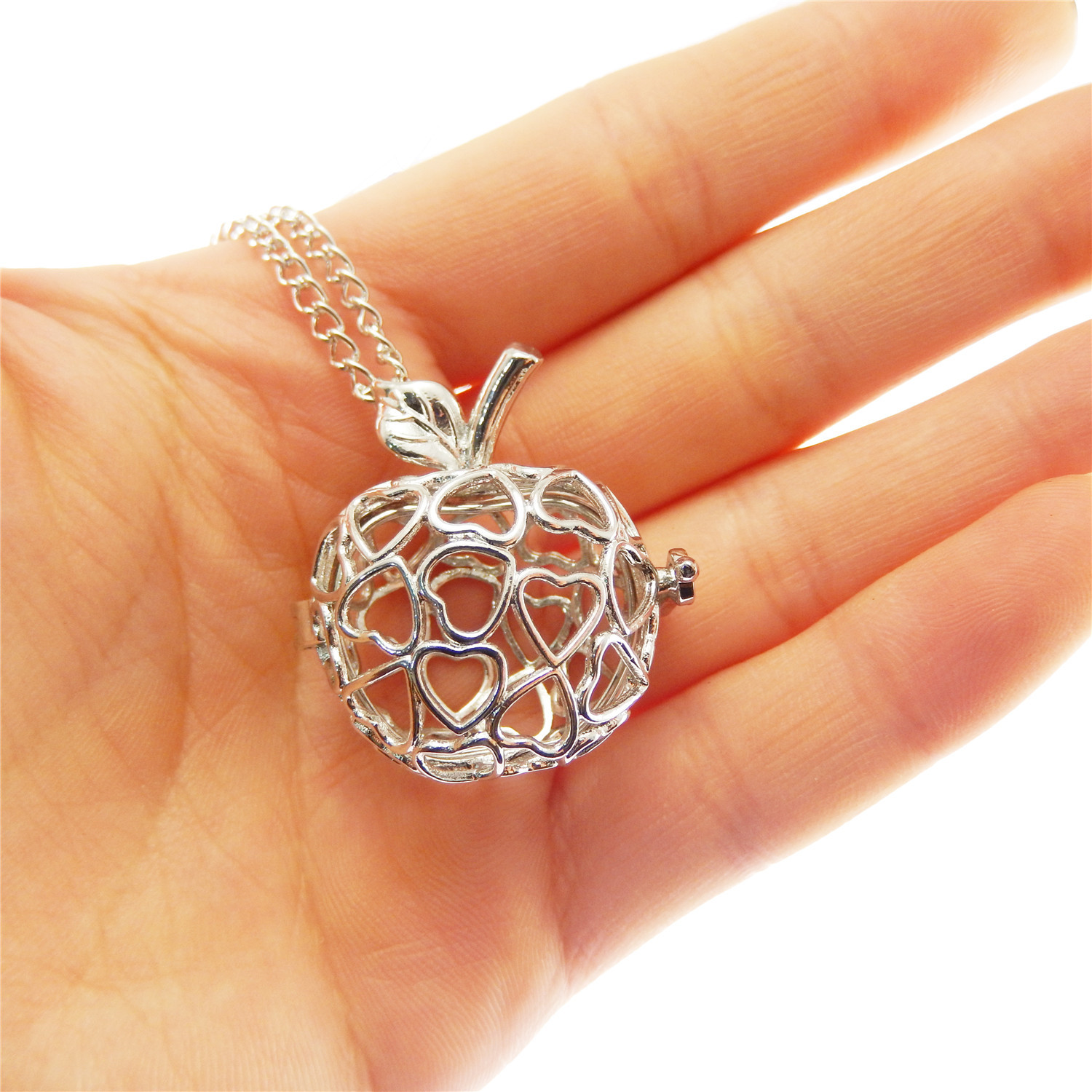 1pc Silver Alloy Aromatherapy Oil Diffuser Chameleon Look Charms Locket Necklace
