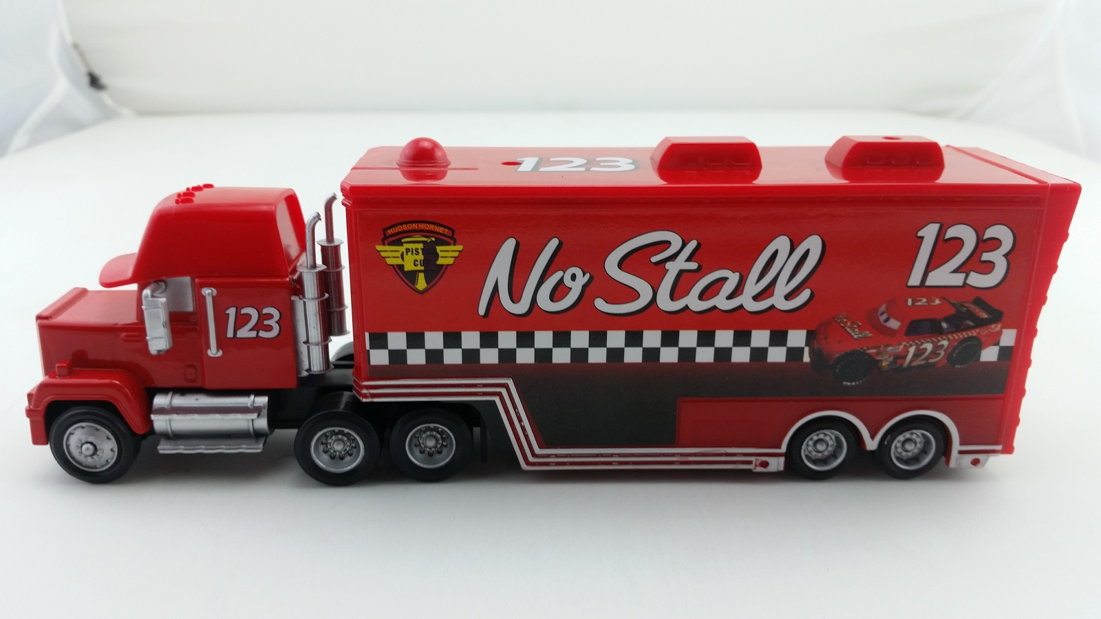 disney pixar car mack no stall racer 39 s hauler truck 1 55 toy car new ebay. Black Bedroom Furniture Sets. Home Design Ideas