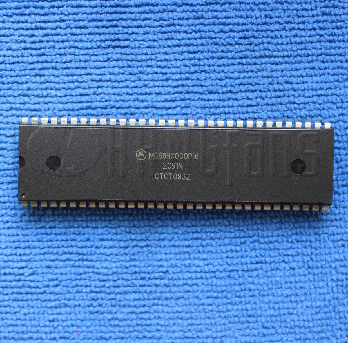 1PCS//5PCS  MC68HC000P16 MC68HC000 Vintage IC DIP-64 32-Bit 16-Mbyte