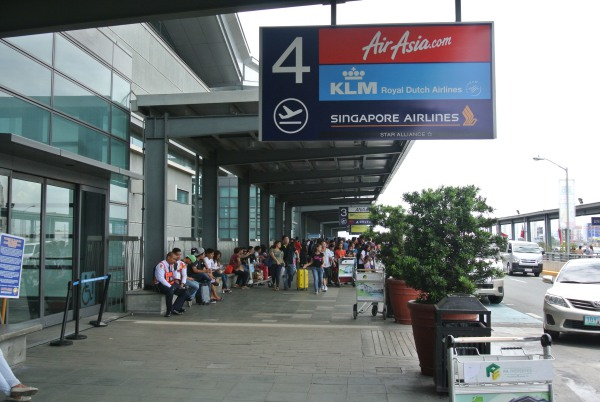 NAIA Terminal 3 Gate 4: For AirAsia, KLM and Singapore Airlines