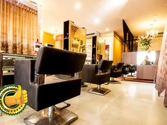 U-NIK Hair Salon & Boutiqus