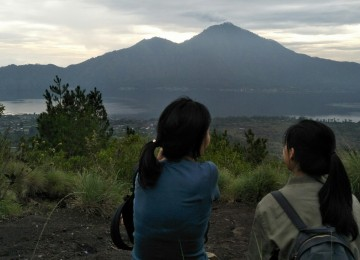 Mount Batur Sunrise Trekking With Breakfast and Coffee Visiting after Hiking