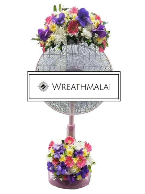 WF030 พวงหรีดพัดลมดอกไม้สด Hatari 16 นิ้ว ตั้งพื้น ยืดได้ ประดับดอกไม้ด้านบน + ฐานล่าง
