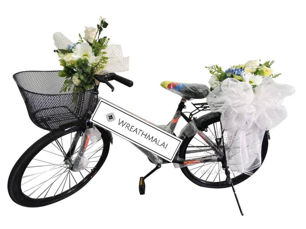 WF072 พวงหรีดจักรยานตกแต่งดอกไม้สวยงาม สะดุดตา + ตะกร้าด้านหน้า + จัดดอกไม้ด้านหลัง