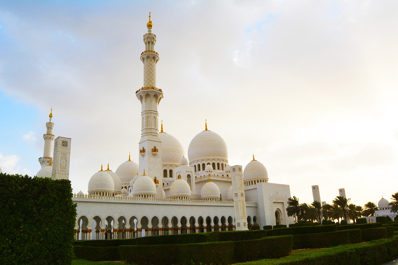 Abu Dhabi Highlights with Louvre Museum