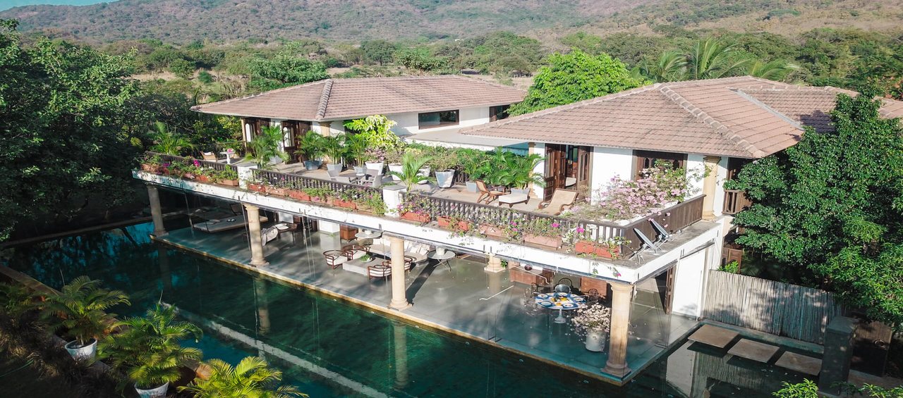 Luxury 5 - BHK Villa by Lohono - Alibaug