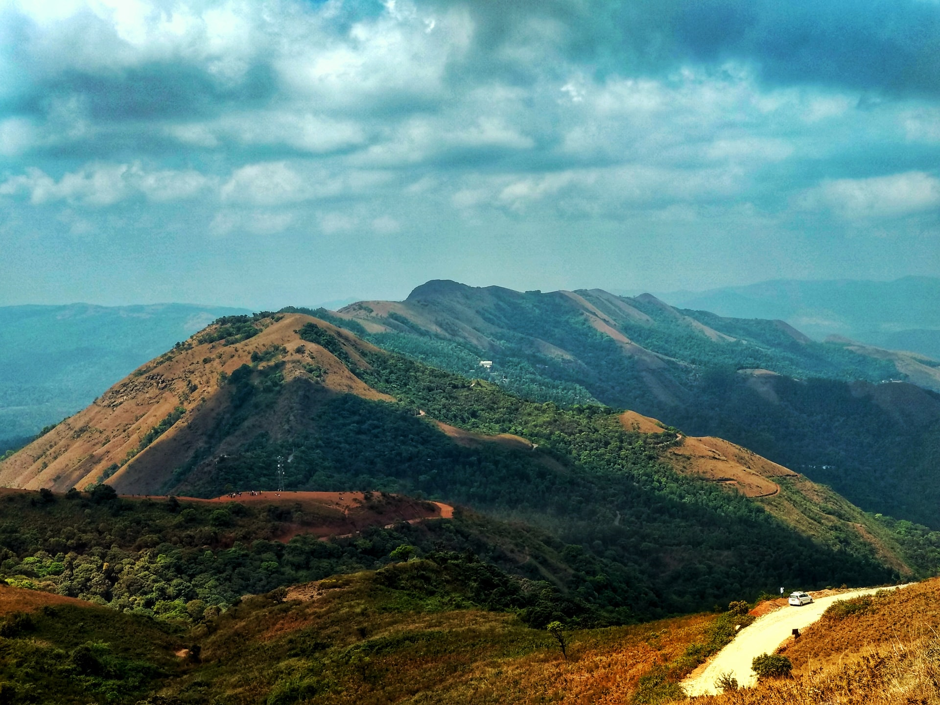 Experience Chikmaglur with The Vistara County