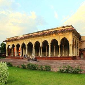 Taj-Mahal-mybudgettour.jpg