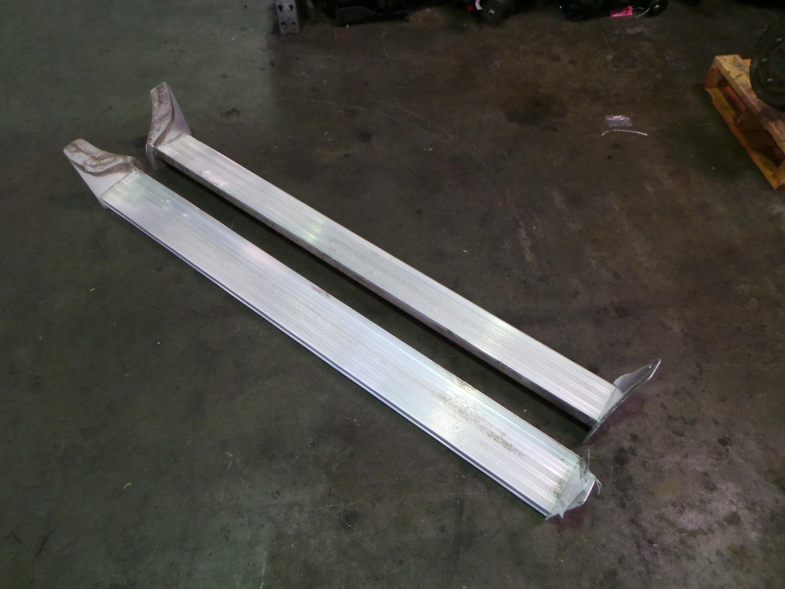View Auto part Side Step/Skirt Toyota 4 Runner 1992