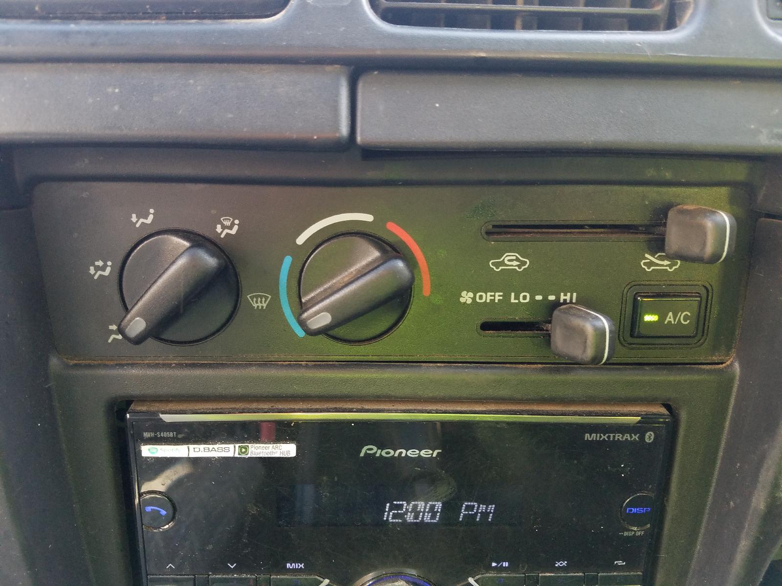 View Auto part Trans/Gearbox Toyota Hilux 2004