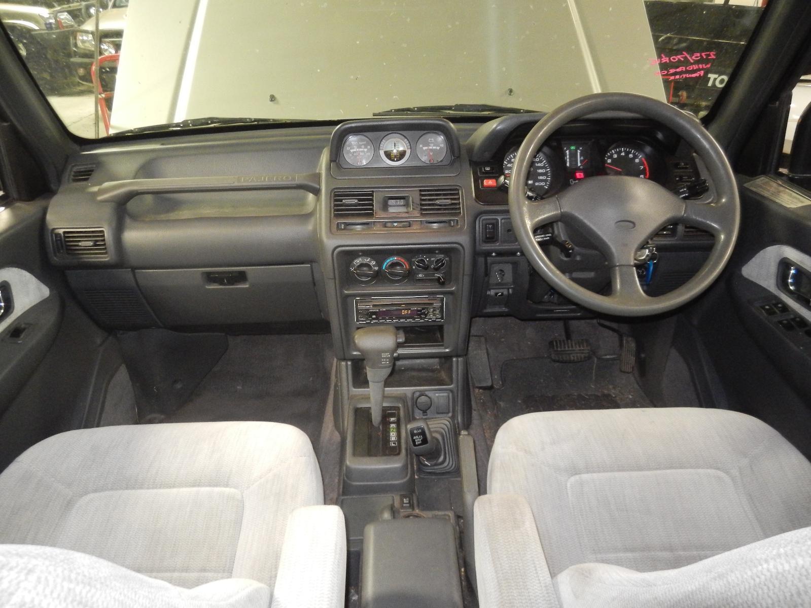 View Auto part Left Front Window Reg/Motor Mitsubishi Pajero 1996