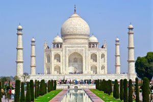 Wisata di kota Agra