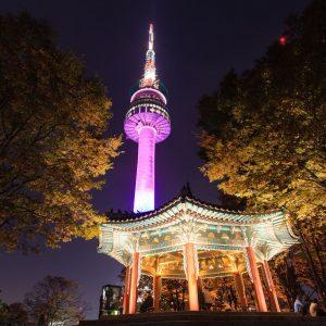 namsan seoul tower di malam hari