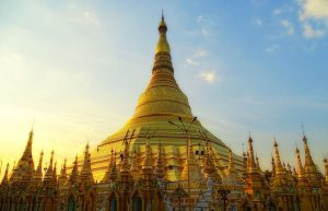 pagoda shwedagon berpelat emas