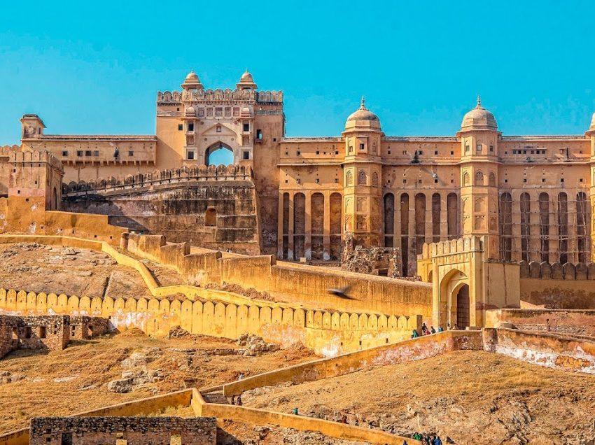 6 Tempat Bersejarah Di India Yang Paling Terkenal Dan Sering Dikunjungi Wisatawan