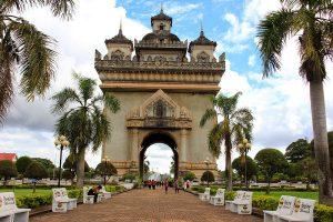 Patuxai-arco-triunfo-Vientian