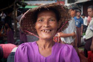 femme-arakanaise
