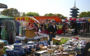 Flea Market di Kuil Toji