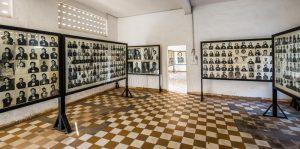 Tuol Sleng Genocide Museum dan Killing Field