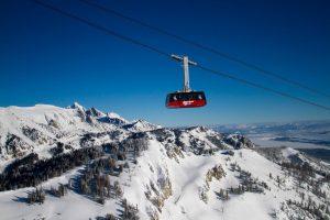 jackson-hole-tram-lift-winter-snow