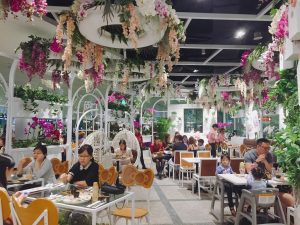 Garden-Themed-Cafe