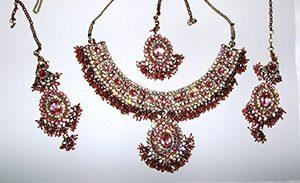 Perhiasan Wanita India