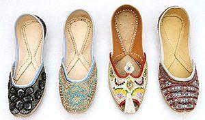 Sepatu Tradisional India