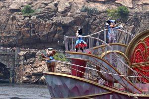jp-tokyo-disneysea-boat